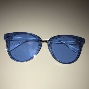 Clear Blue Trendy Sunglasses